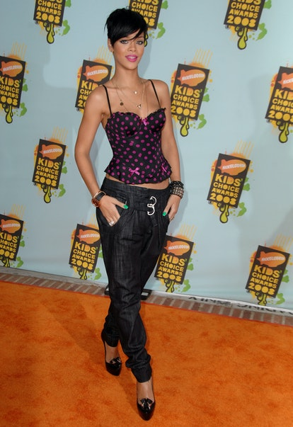 WESTWOOD, CA - MARCH 29:  Singer Rihanna arrives at Nickelodeon's 2008 Kids' Choice Awards held at the Pauley Pavilion on March 29, 2008 in Westwood, California.  (Photo by Steve Granitz/WireImage)